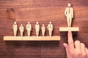 7 Things Salespeople Do to Stand Out